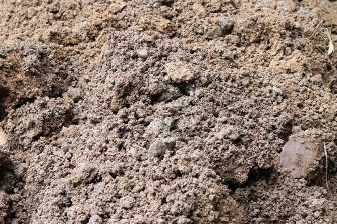 Causes of concrete settling - poor compaction